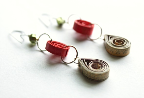 Quilled paper earrings by redshoes26 design